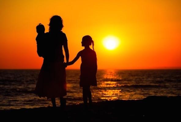 「お母さんに愛されてないかも?」と思っちゃった女子の皆さん、それ、あなたのせいじゃないよ