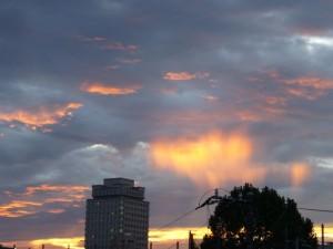 劇的・台風通過の夕焼け